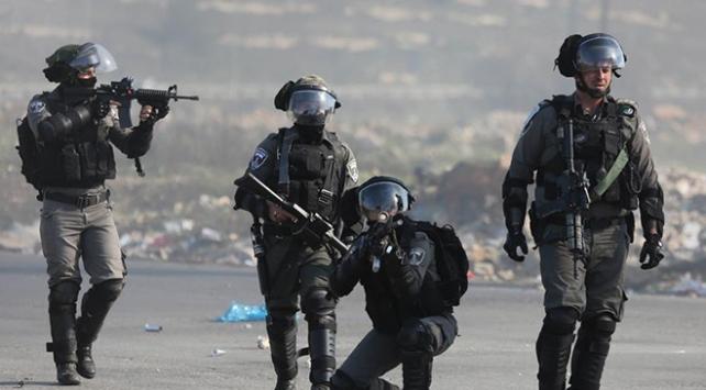 İsrail askerleri Batı Şeriada 10 Filistinliyi yaraladı