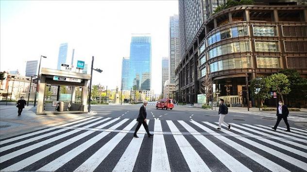 Japonyada koronavirüs kısıtlamaları gevşetiliyor
