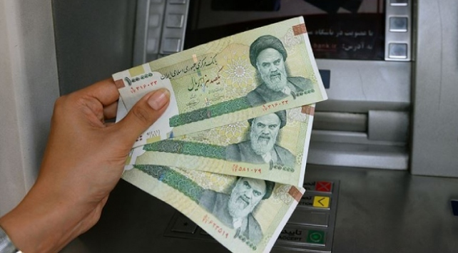 İranda dolar ilk kez 19 bin tümeni aşarak tarihi rekorunu kırdı