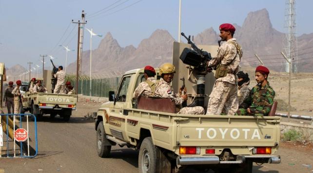 Yemen hükümeti: Güney Geçiş Konseyinin Sokotrada devlet kurumlarını ele geçirmesi darbedir