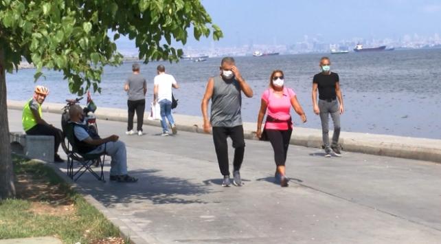 Kısıtlama sonrası İstanbulda sahil yoğunluğu