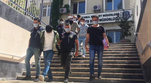 İstanbulda dört evi soyan ve otomobil çalan hırsızlar yakalandı