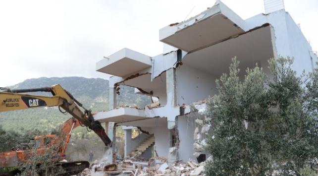 Antalyada 654 kaçak yapı yıkıldı