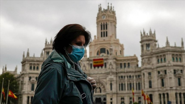 İspanyada COVID-19dan son bir haftada 29 kişi öldü