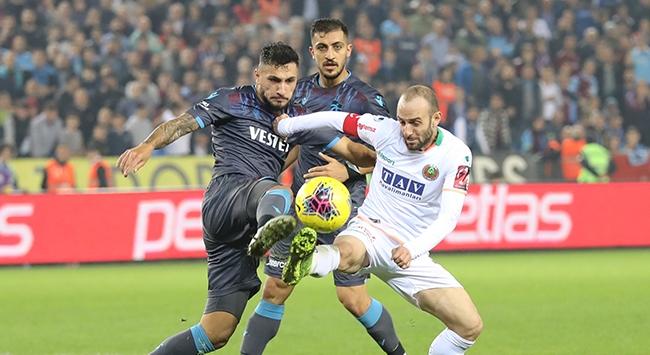 Kupa finalistleri Alanyada Süper Lig mücadelesinde