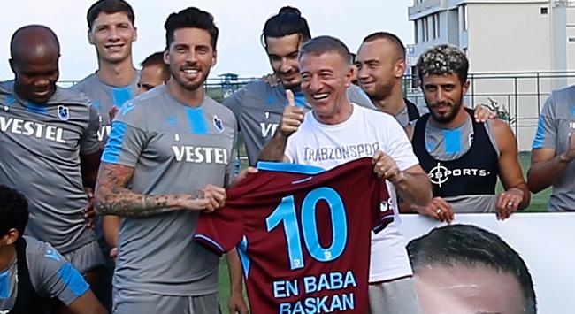 Trabzonsporda başkan Ağaoğlunun Babalar Günü kutlandı