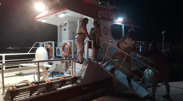 Kartal açıklarında tekne arızalandı: 5 kişi kurtarıldı