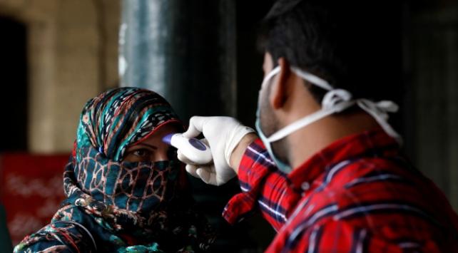 Pakistanda COVID-19 vaka sayısı 180 bini aştı