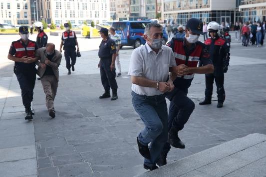 Kayseri merkezli 14 ildeki göçmen kaçakçılığı operasyonlarında yakalanan 21 şüpheli adliyede
