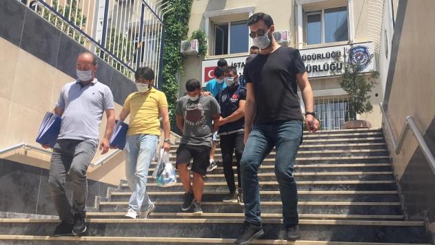 Kendilerini polis olarak tanıtan gasp zanlıları tutuklandı