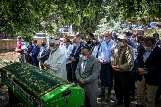 Bursadaki selde hayatını kaybeden Kader Akbabanın cenazesi defnedildi