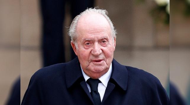 İspanyada yolsuzlukla suçlanan emerit Kral Juan Carlosun maaşı kesildi