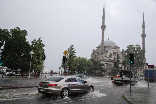 İstanbulda yağış başladı