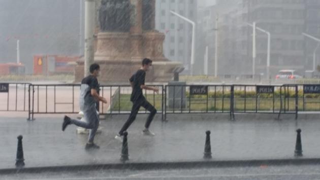 Hava nasıl olacak? İstanbul hava durumu... İstanbulda hortum…