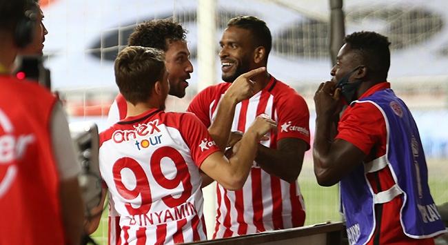 Antalyaspor yenilmezlikte rekor peşinde