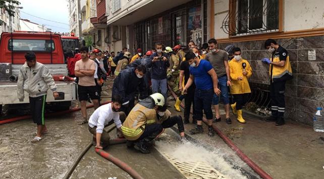 Şiddetli yağış İstanbulu vurdu