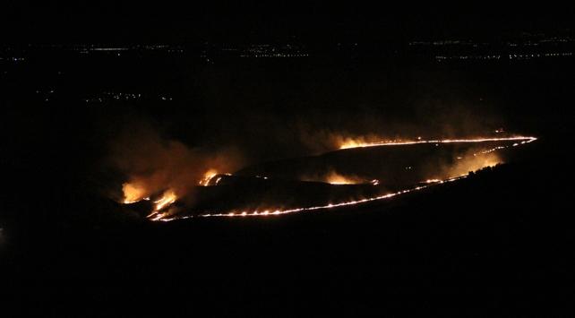 Hatayda makilik alanda çıkan yangın söndürüldü
