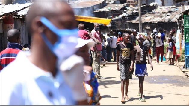 Afrikada COVID-19 vaka sayısı 327 bin 464e yükseldi