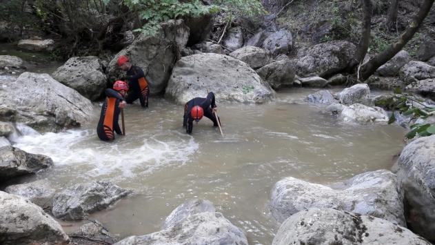 Bursada selde kaybolan genç kızı arama çalışmaları devam ediyor