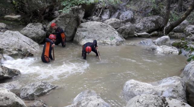 Bursada selde kaybolan genç kızı arama çalışmaları sürüyor