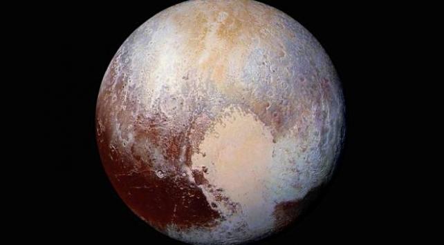 Plüton hakkında yeni araştırma: Her şey yer altı okyanusuyla başladı
