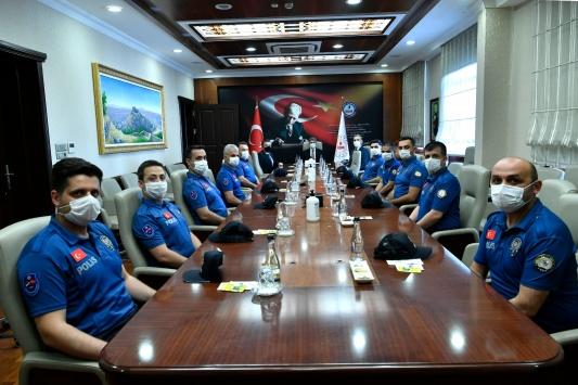 Türk polisi Sıla Yolu Projesi görevi için Sırbistana gitti