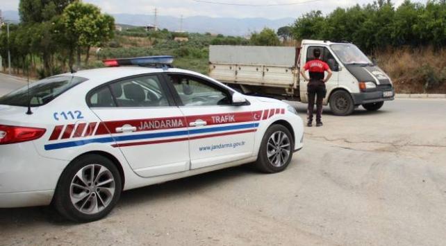 İzmirde vakaların arttığı mahallede ek önlemler alındı