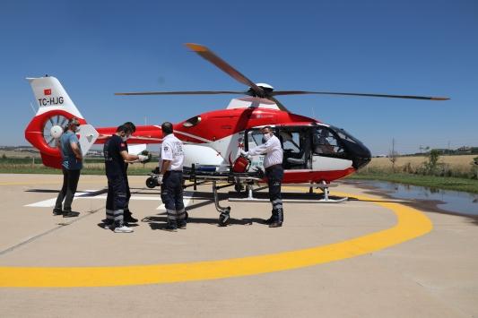 Diyarbakırda ambulans helikopter 80 yaşındaki hasta için havalandı