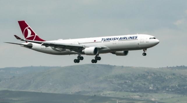 Afganistana 3 ay aradan sonra ilk uçuş gerçekleştirildi