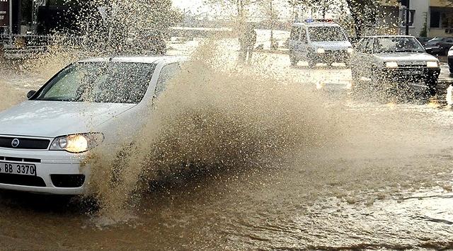 Edirne'de sağanak yağış sürecek
