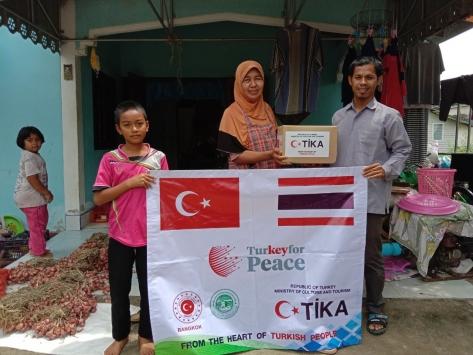TİKAdan Taylandda 1200 aileye gıda yardımı