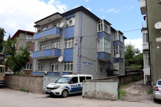 Karabükte bir apartman karantinaya alındı