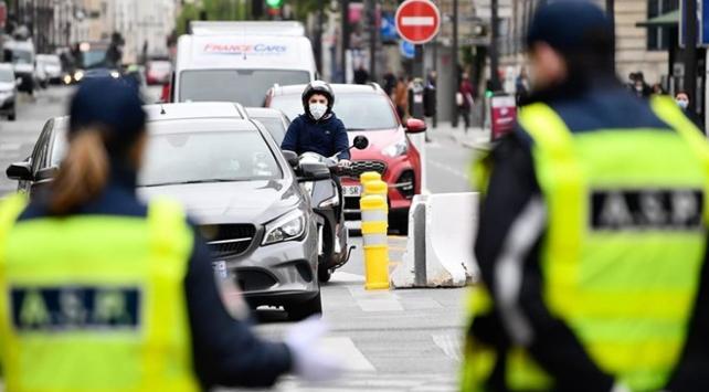 Fransada salgında ölenlerin sayısı 30 bine yaklaştı