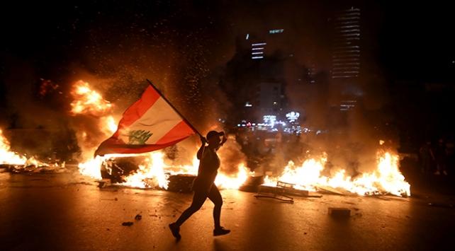 Lübnanda ekonomik kriz protestoları sürüyor