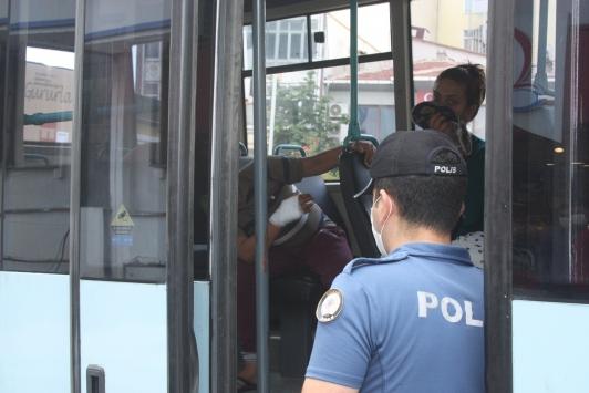 Keşanda sürücü ile 2 yolcuya tedbirlere uymadıkları gerekçesiyle ceza