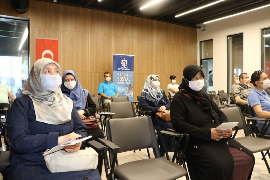 Kocaelide hasta yakınlarına refakatçi eğitimi programı başlatıldı