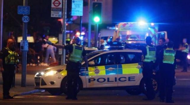 Londrada sokak partisi kavgası: 15 polis yaralandı