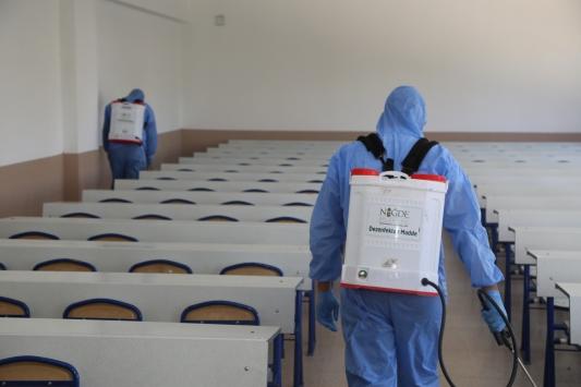 Niğdede YKS öncesi okullar dezenfekte edildi
