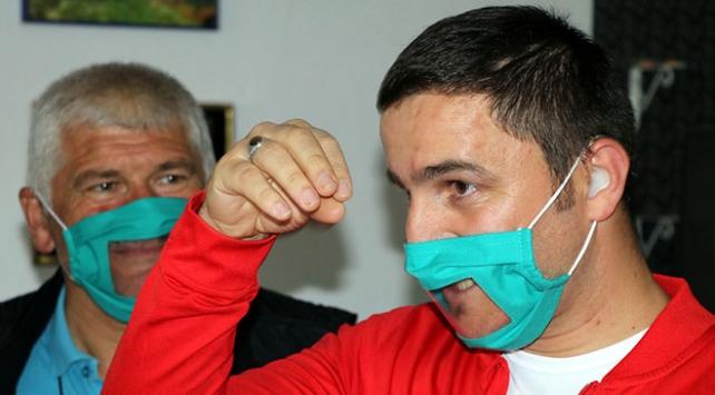 Çankırıda işitme engellilere özel şeffaf maske üretildi
