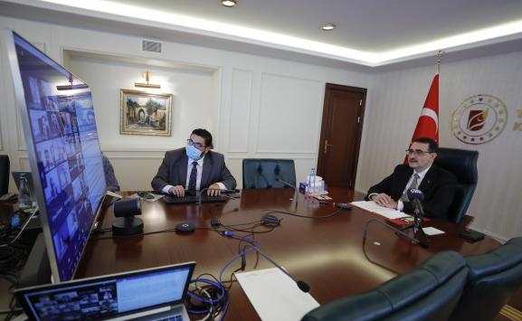 Enerji ve Tabii Kaynaklar Bakanı Dönmezden enerji verimliliği vurgusu yaptı