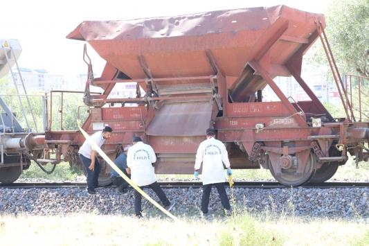 Niğdede yük treninin çarptığı kişi öldü