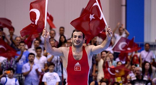 """Milli güreşçi Hamza Bakırın bronz madalyası """"gümüş"""" oldu"""