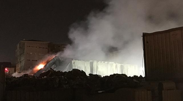 İstanbulda katı atık merkezinde yangın