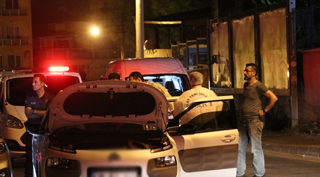 İzmirde 31 ayrı suçtan aranan zanlı yakalandı