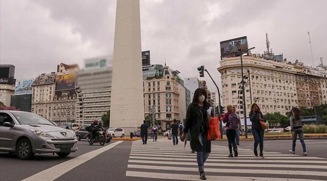 Arjantinde COVID-19 ölümleri artıyor, karantina uzatıldı
