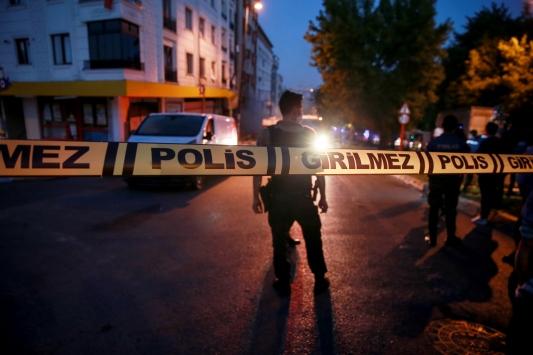 İstanbulda bir binada patlama meydana geldi