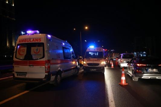 İstanbulda trafik kazası: 1 ölü, 2 yaralı
