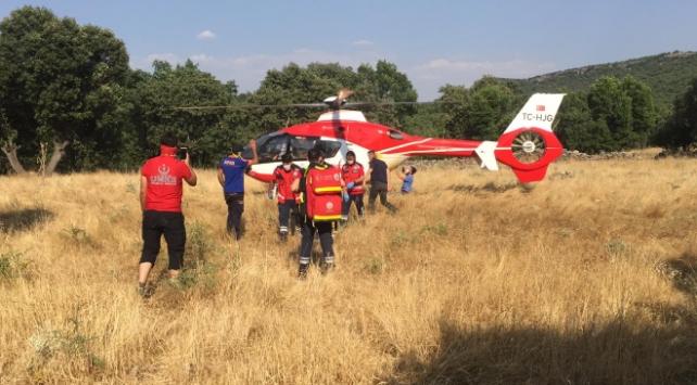 Diyarbakırda ambulans helikopter kayalıklardan düşen kişi için havalandı