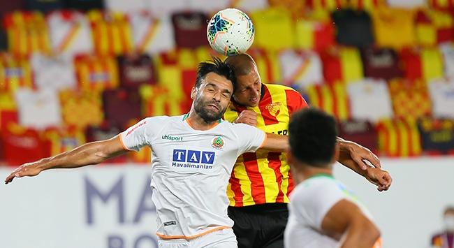 İzmirdeki gol düellosunda kazanan çıkmadı
