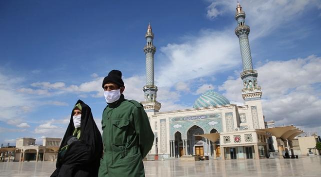 İranın Kum şehrinde koronavirüs vakaları 3 kat arttı